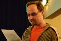 Petr Slinták mluvil v hluckém kině o Sardinii.