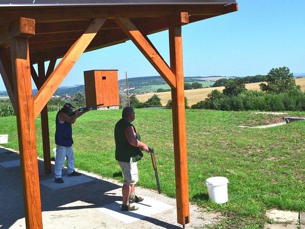 V sobotu se z vlčnovské střelnice ozvaly první výstřely.