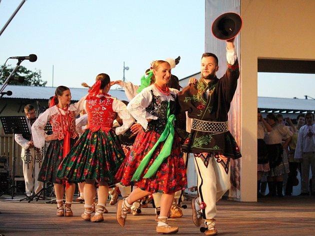 Dospělým hostem festivalu byl slovenský soubor Rozsutec