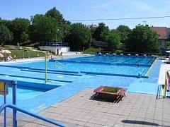 Původní venkovní areál koupaliště v Uherském Brodě pochází z roku 1934.