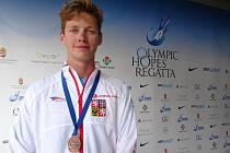 Patnáctiletý kajakář Ondřej Prchlík získal na regatě Olympijských nadějí v Szegedu dvě bronzové medaile.