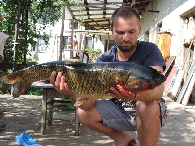 Soutěžní číslo 34 – Michal Tvrdý, amur, 77 cm, nevážen.
