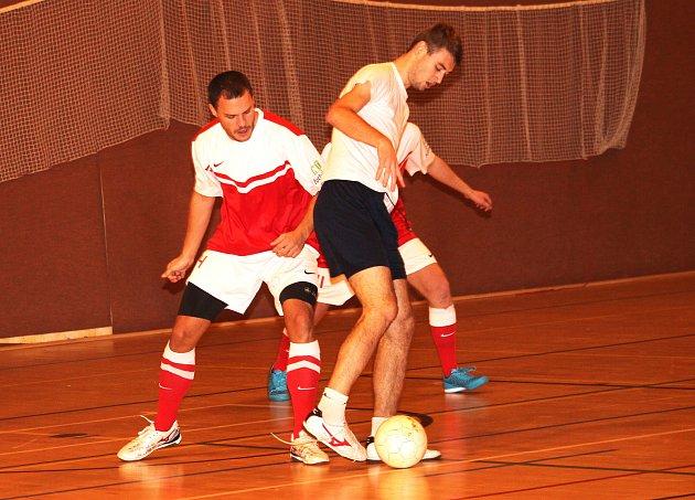 2. kolo Futsalové ligy Uherskohradišťska: Ajax - Uganďani