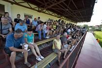 Fanoušky Uherského Brodu zítra čeká na Orelském stadionu parádní podívaná.