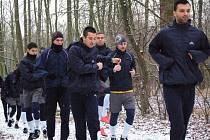 1. FC Slovácko začalo výběhem v Kunovském lese.  Uprostřed Ilja Nestorovski.
