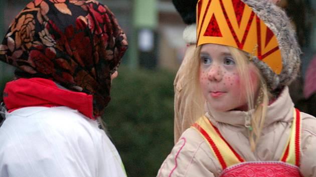 Děti z polešovické mateřinky před Vánoci pobavili nejen své rodiče a prarodiče precizně nacvičenými scénkami z populární pohádky Mrazík