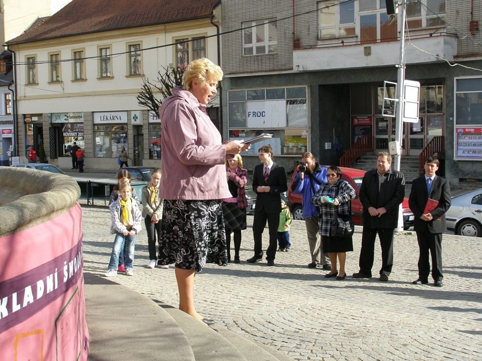 Zahájení oslav 420. výročí narození J. A. Komenského v Uherském Brodě.