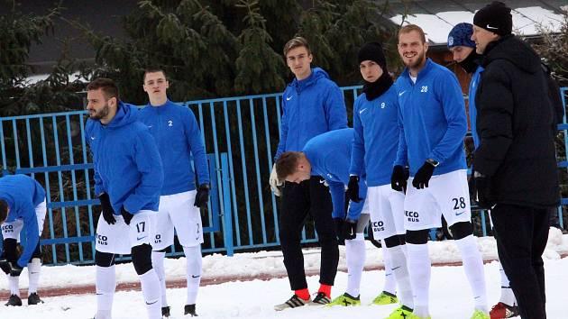 Záložník Slovácka Vlastimil Daníček (s číslem 28) se chystá na sobotní zápas s Vítkovicemi.