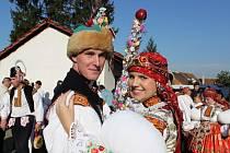 Role mladších stárků v Nedakonicích na sebe vzali Roman Sedlařík s Adélou Honelovou.