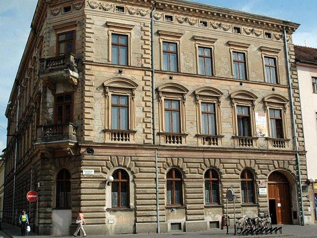 Budova ZUŠ na Mariánském náměstí v Uh. Hradišti. Ilustrační foto.