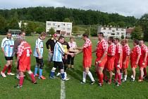 Čeští a slovenští Březolupjané se utkali proti sobě na fotbalovém hřišti.