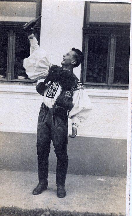 Ota Hemele ve vlčnovském kroji.  Foto: archiv Antonína Zlínského