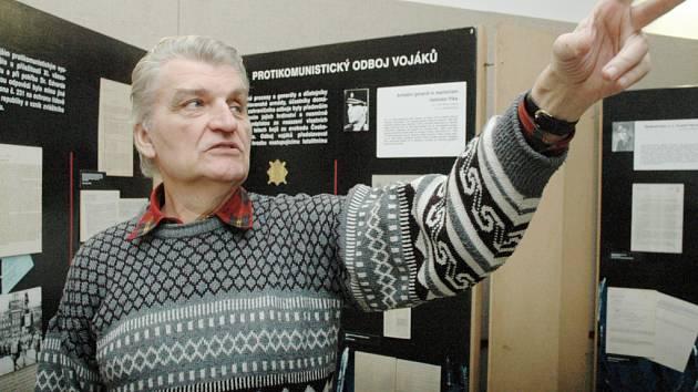 Výstava fotografií a dokumentů mapující osudy lidí stíhaných totalitním režimem v hradišťské Redutě.