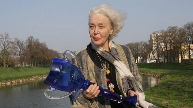 Květa Fialová hraje hlavní postavu ve hře Harold a Maude.