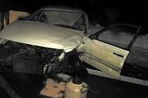 Dopravní nehoda dvou aut u Bánova.