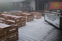 Na Holubyho chatě poblíž Velké Javořiny zaznamenali první sněhovou nadílku už na začátku října. Za posledních dvacet let je to ojedinělý úkaz.