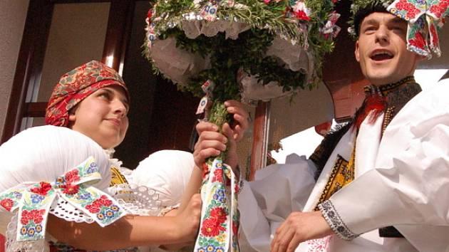Záštitu nad letošními hody v Jankovicích převzala starší stárka Pavlína Dúbravová spolu se svým jalubským přítelem Alešem Hejdou.