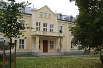 Park u Obchodní akademie v Uherském Hradišti.