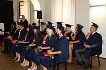 Významný okamžik v životě absolventů Evropského polytechnického institutu Kunovice.