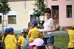 Na náměstí Velké Moravy ve Starém Městě se v sobotních odpoledních hodinách konala dětská folklorní olympiáda. Soutěžit mezi sebou přijelo na osmnáct folklorních souborů ze Slovácka.
