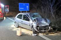Srážka tří osobních aut způsobila v pondělí 13. ledna krátce po 18. hodině uzavření silnice I/55 mezi Kunovicemi a Ostrožskou Novou Vsí.
