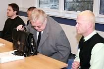 Případ zavražděného Janochy se opět projednával před zlínským soudem. Na lavici obžalovaných se posadili dva městští strážníci Šiška a Sháněl.