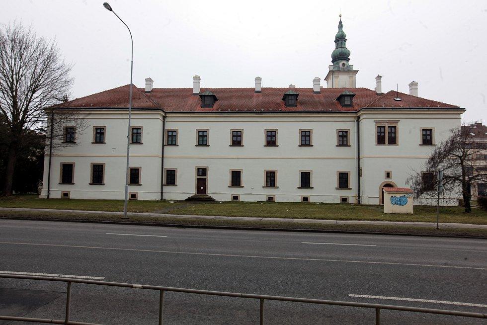 Ve františkánském klášteře v Uherském Hradišti sídlí Státní okresní archiv.