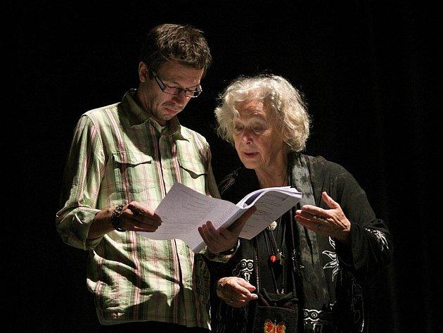 Josef Kubáník s Květou Fialovou se v hlavních rolích setkají na jevišti v další hře.