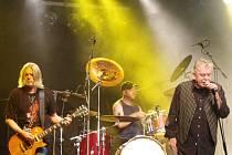 Mimořádně vydařeným koncertem skupiny Nazareth začal v sobotu 1. června v zámeckém areálu v Buchlovicích letošní hudební festival Buchlovské léto.