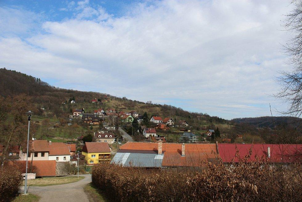 Vstupní brána do Chřibů je vesnička Salaš.