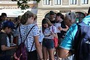 Po stopách historie města Uherské Hradiště nesla název družební návštěva dětí ze šestých a sedmých tříd ZŠ Strážnická ve slovenské Skalici a ZŠ UNESCO v Uherském Hradišti. Tu v pátek 14. června připravila Knihovna Bedřicha Beneše Buchlovana.