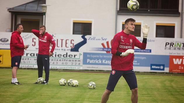Brankář Slovácka Matouš Trmal se po konci sezony s českou fotbalovou jednadvacítkou zúčastnil soustředění v rakouském Kaprunu.