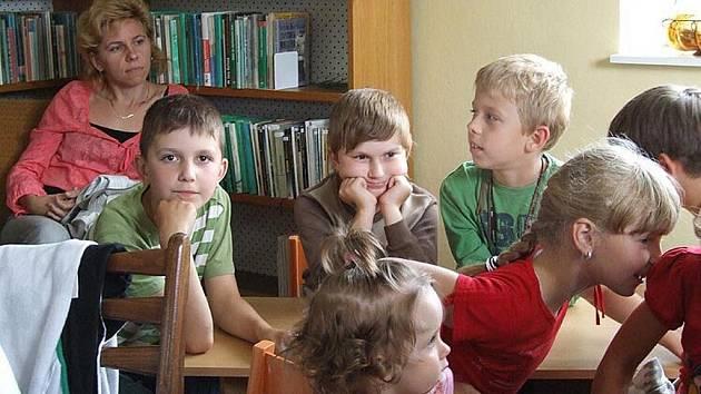 Bánovští školáci prožili tajuplnou noc v místní knihovně.