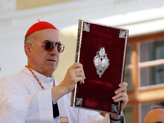 Vatikánský státní sekretář Tarcisio Bertone.