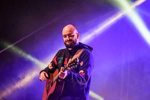 Sportovně kulturní festival Slovácké léto je v plném proudu. Zahrál a zazpíval také populární Pokáč.