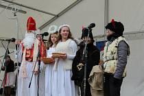 Na náměstí Velké Moravy ve Starém Městě se uskutečnil vneděli třetí Staroměstský vánoční jarmark, vnovodobé historii města už jedenáctý.