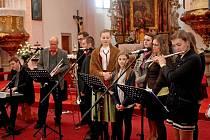 Cimbálová muzika Pentla a buchlovická schola se představily v buchlovické svatyni sv. Martina.