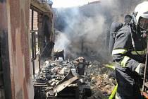 Požár domu v Ostrožské Lhotě.