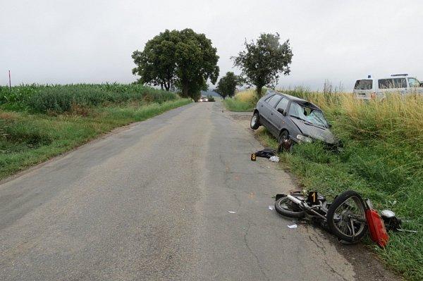Nehoda stěžkým zraněním se stala ve středu 9.července uÚjezdce ve směru na Medlovice.