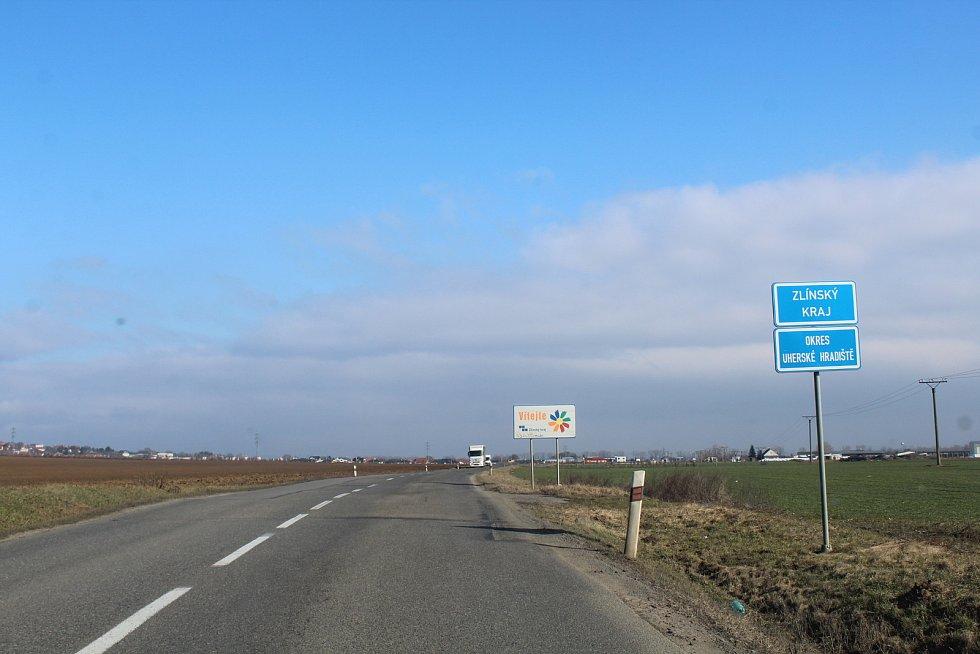 Hranice mezi Zlínským a Jihomoravským krajem nedaleko Polešovic.