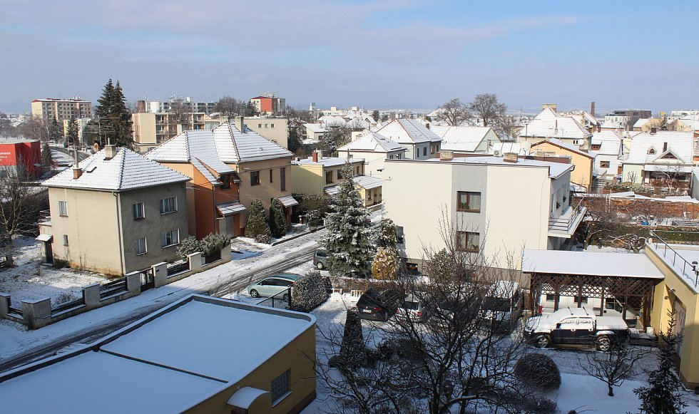 Uherské Hradiště zasněžené a pod ledem. Pohled z ptačí perspektivy.