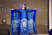 Výrazně charitativní rozměr měla v sobotu 4. října autorská módní přehlídka návrhářky Marie Zelené v její rodné Ostrožské Nové Vsi.