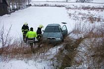 Mezi obcí Kunovice a Ostrožská Nová Ves došlo k dopravní nehodě osobního auta zn. Š Octavia a dodávky zn. Iveco.