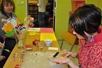 Pracovníci i klienti hradišťského Denního centra Sv. Ludmily připravili návštěvníkům speciální jarní nabídku