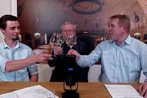 Vinaři od Hradiště uspořádali letos už 4. ročník virtuální degustace vín.