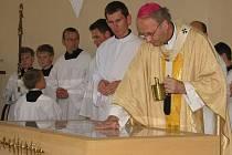 Svěcení nové kaple v Traplicích