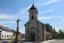 Babice se staly Vesnicí roku 2015 ve Zlínském kraji. Kostel.