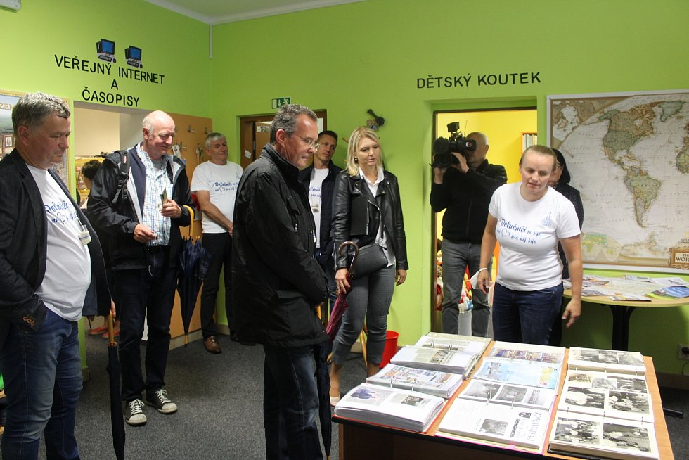 V posledním srpnovém dnu si obec Dolní Němčí, coby vítěze celostátního kola Vesnice roku 2018 a jeho tradice prohlédla hodnotící komise soutěže Evropská cena obnovy vesnice. V knihovně.