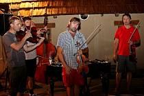 Folk-folklorní večer ve slovanském opevněném sídlišti v Modré