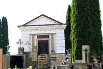 Hrobka hraběnky Haugwitzové na bojkovickém hřbitově rovněž upoutala pozornost zlodějů.